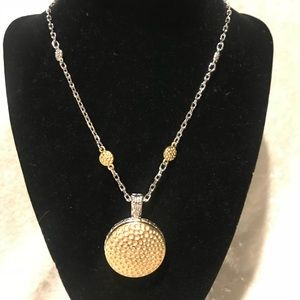 Necklace with removable round charm